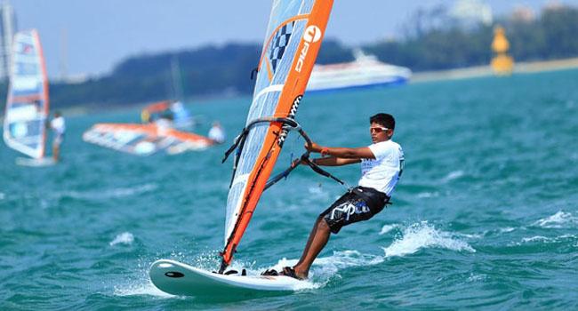Learn Windsurfing in Mumbai