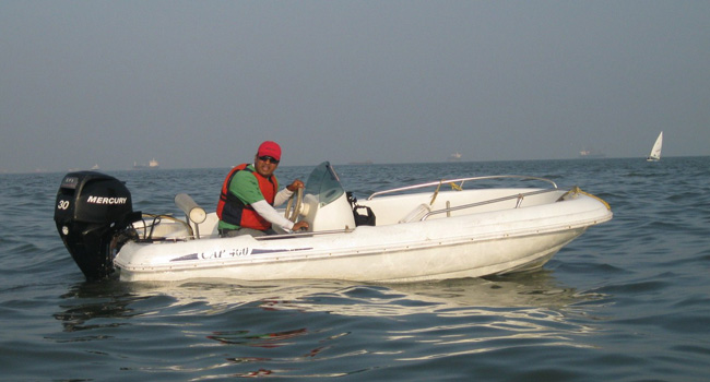 Learn to drive a motorboat in Mumbai, Powerboating course in Mumbai