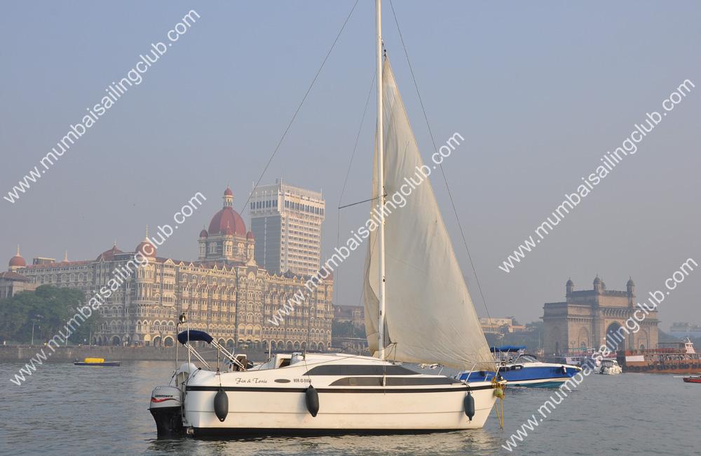 Macgregor 26 Sailboat Sailing in Mumbai